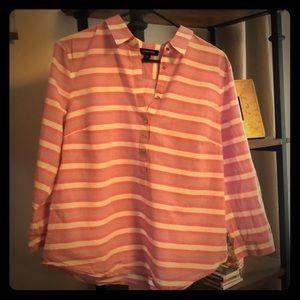 🌸Lands' End 1/4 button-down shirt